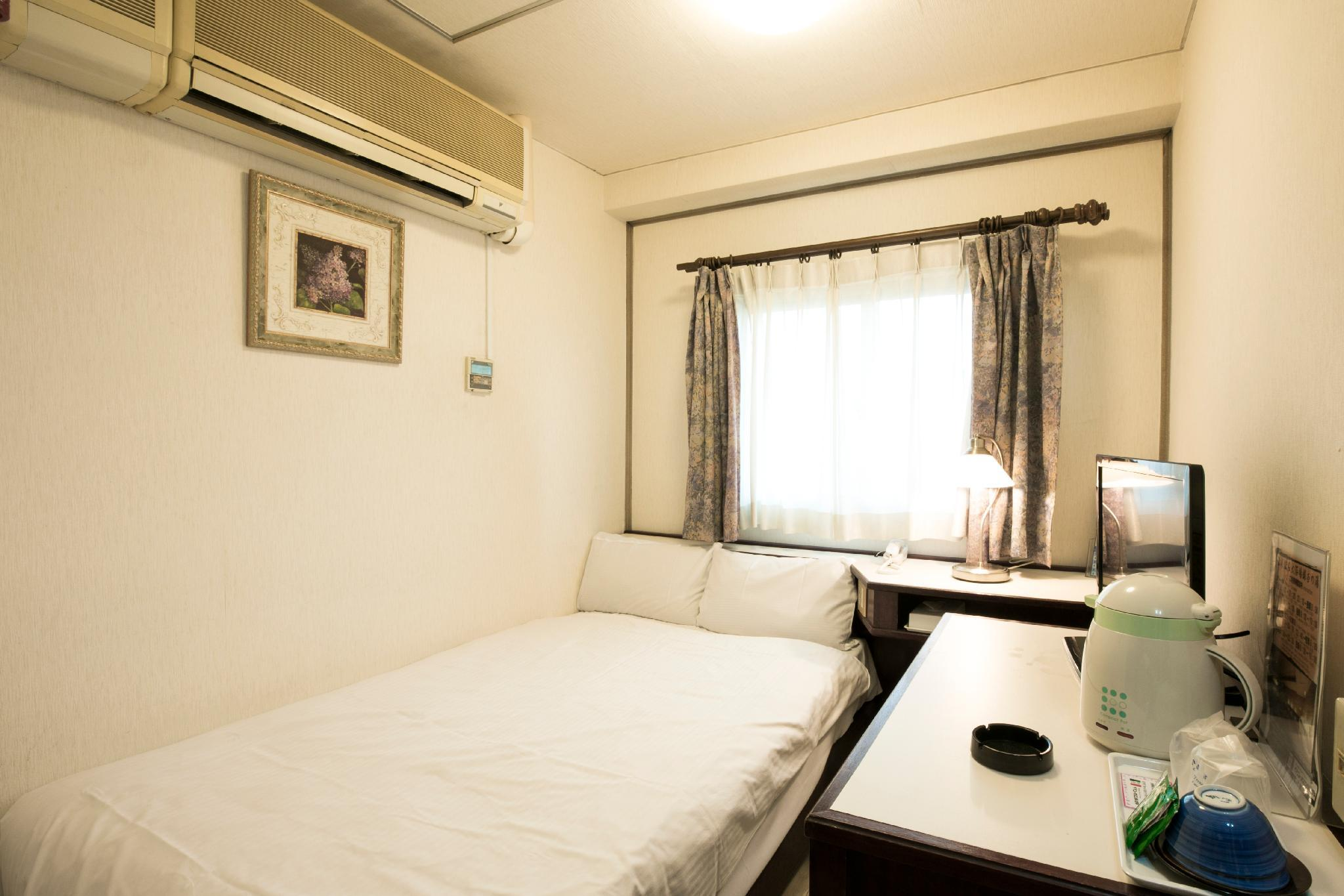 雙人房(小型雙人床) (Double Room with Small Double Bed)