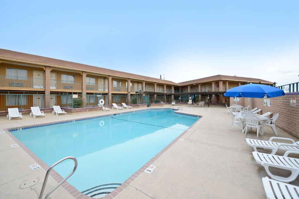 Best Price On Americas Best Value Inn Suites Las Cruces Nm In