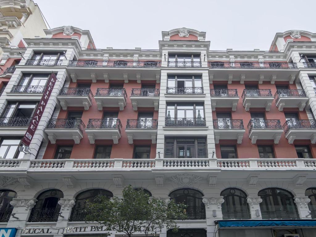 More about Petit Palace Chueca