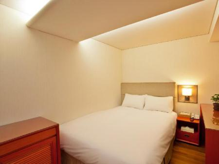 Business Double Room Prince Hotel Myeongdong