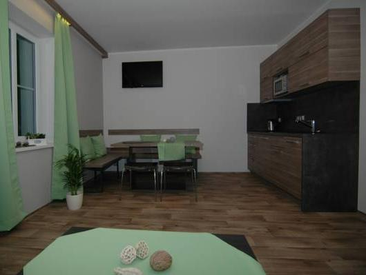 Apartman (Apartment)