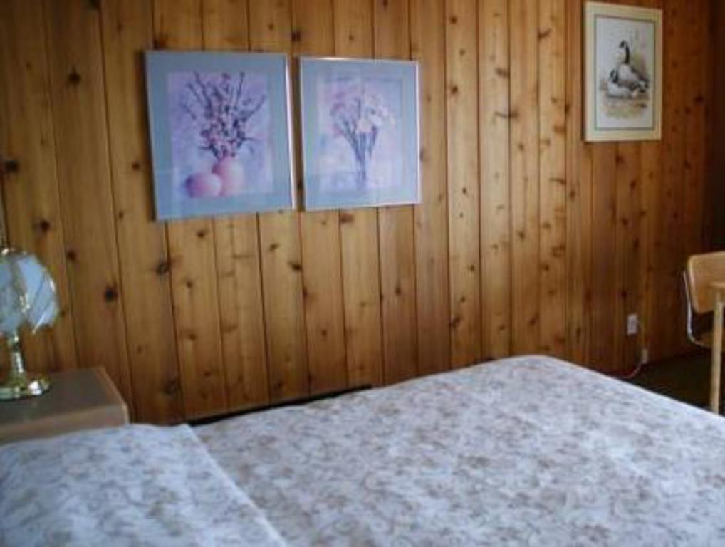 Queen with 2 Queen Beds - Bed Rocky Mountain Springs Lodge and Citadella Restaurant