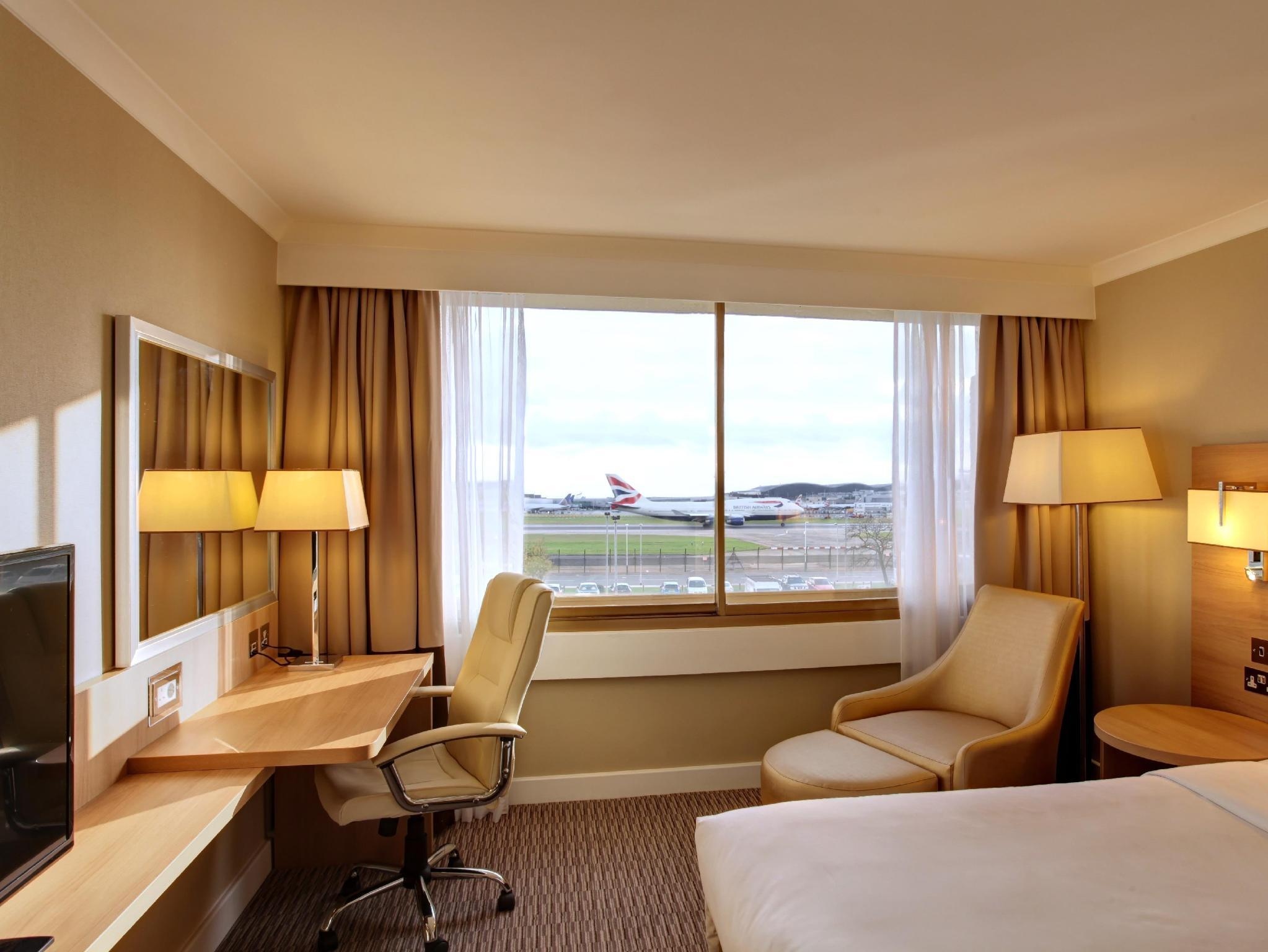 Executive Runway Room, Executive lounge access, Guest room