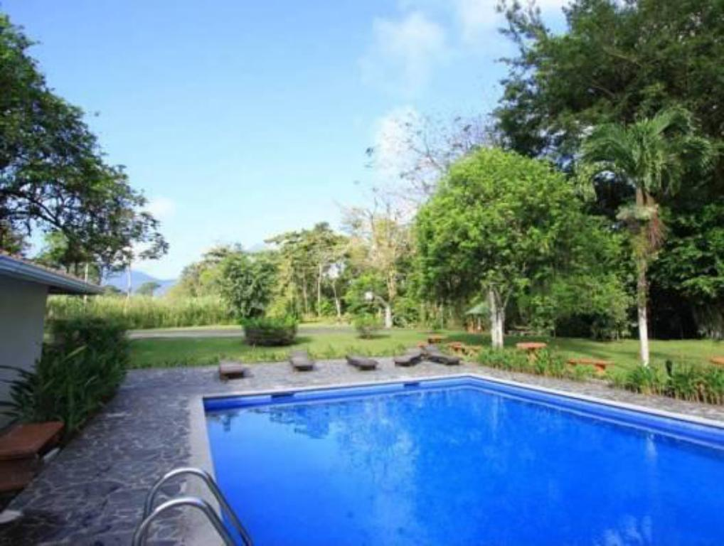 Swimming pool Hotel Eco Arenal