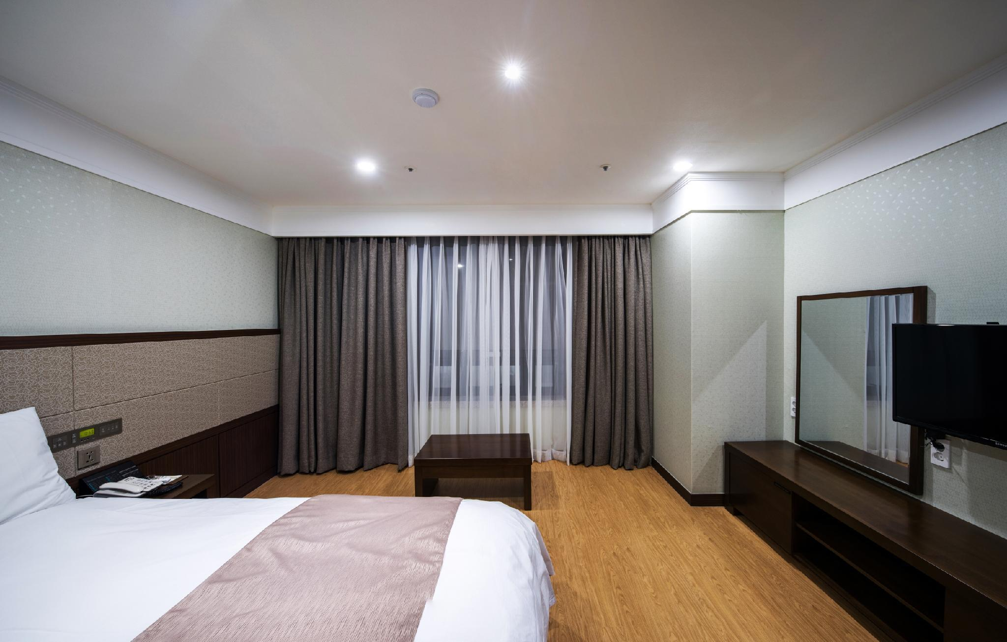 Kamar Family Double (Family Double Room)