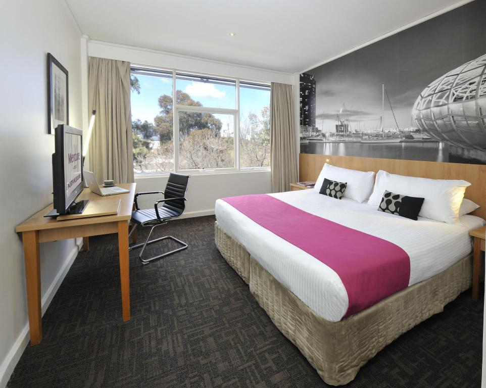 Standard 1 King Bed - Guestroom Mercure North Melbourne