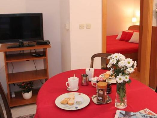 One-Bedroom Apartment with Balcony (2 Adults + 2 Childr