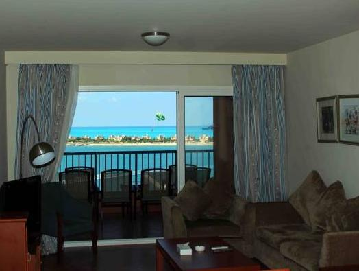 Three-Bedroom Rental Apartment with Pool View