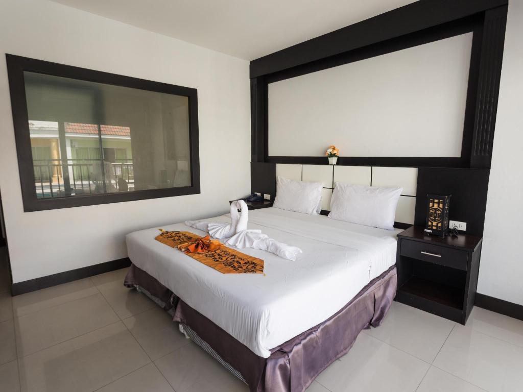 Standard Double Room - Bed Star Hotel Patong