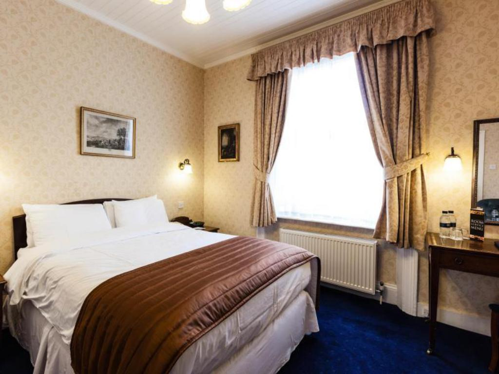 Superior Double Room - Guestroom Best Western Swiss Cottage