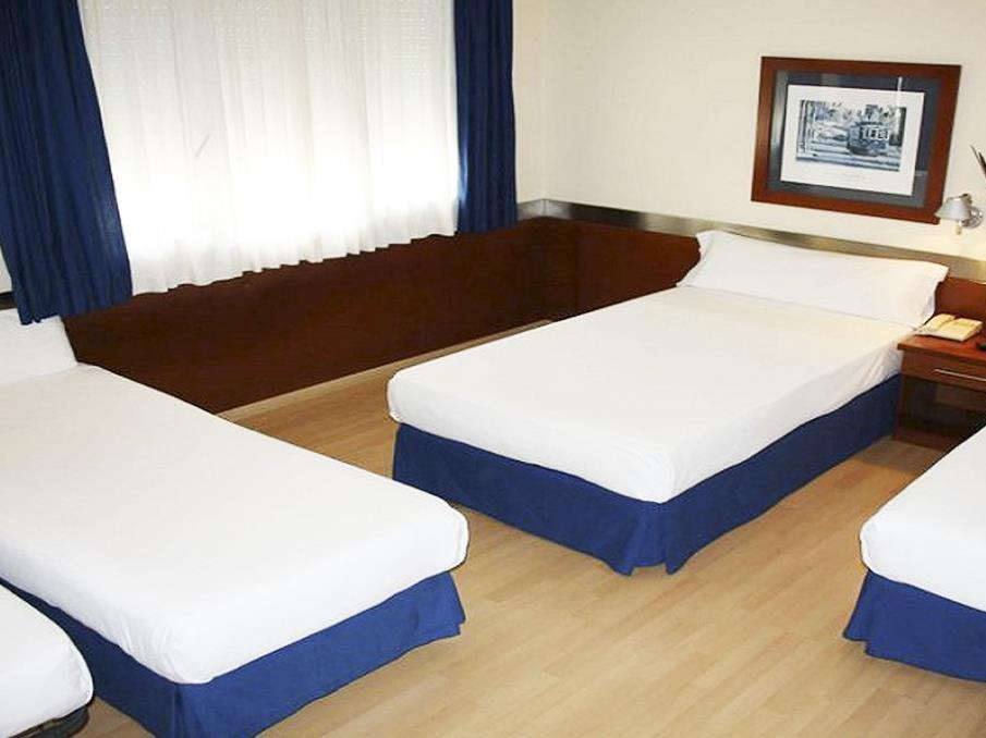 Cameră cvadruplă (2 adulţi 2 copii) (Quadruple Room (2 Adults 2 Children))
