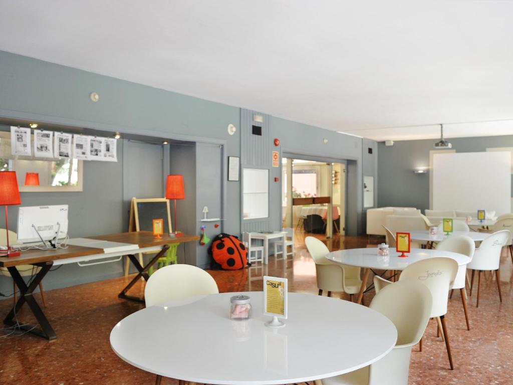 Tres Torres Atiram Hotel, Barcellona | Da 48 € | Offerte Agoda