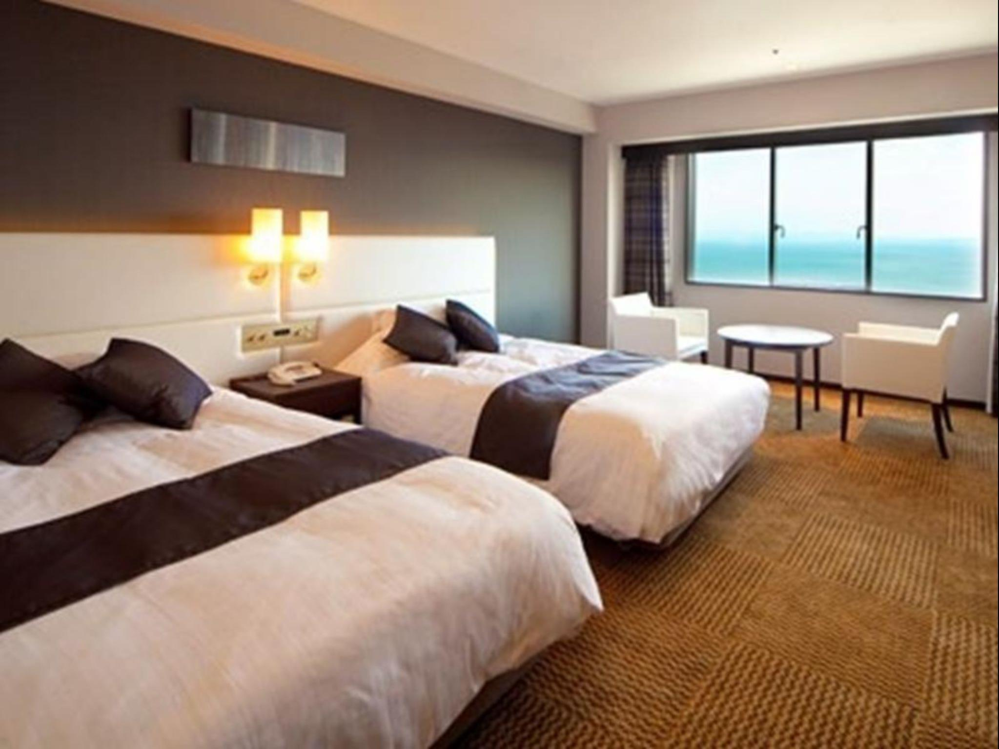 Habitación Twin Superior con Vistas al Mar (Superior Twin Room with Sea View)