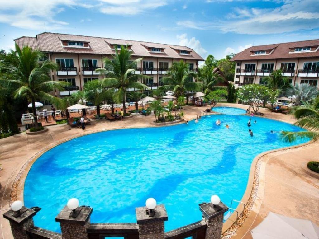 Nakhaburi Hotel Resort In Udon Thani Room Deals Photos Reviews