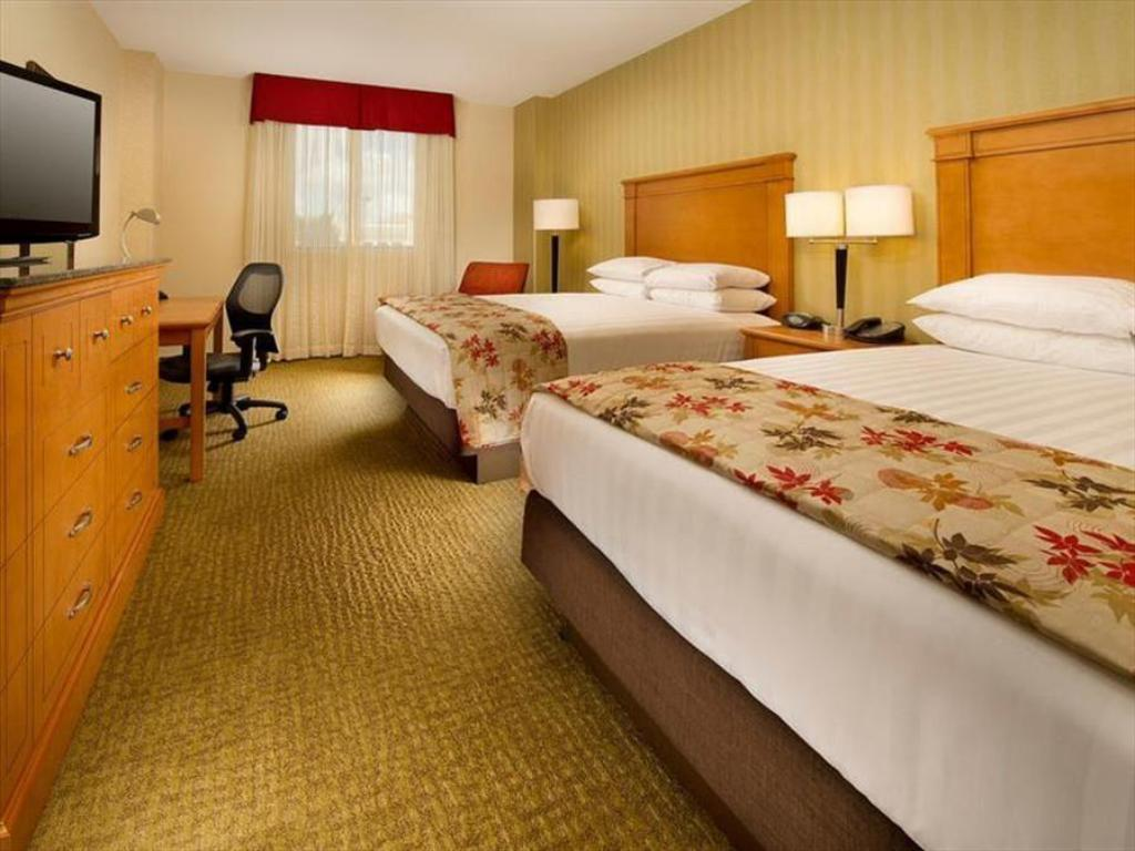 High Floor 2 Queen Deluxe - Room plan Drury Inn & Suites - Universal Orlando Resort™