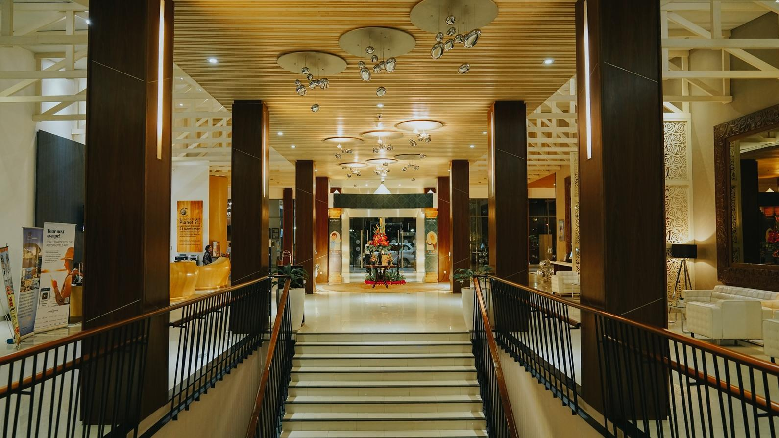 Best Price On Novotel Banjarmasin Airport Hotel In