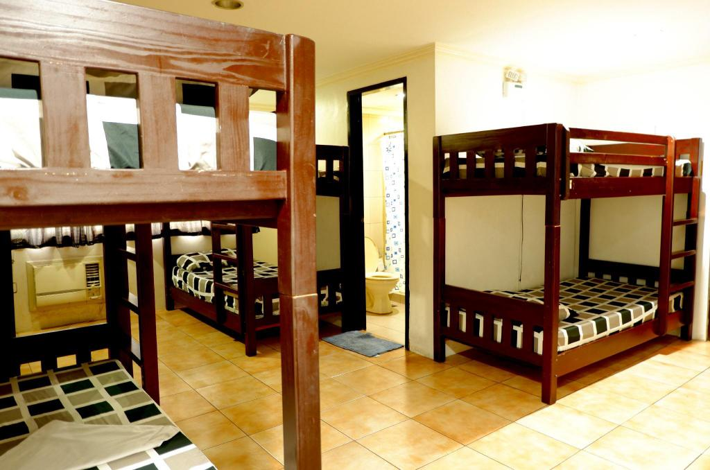 1 Person in Dormitory - Mixed - Bed The Fort Budget Hotel - Bonifacio Global City