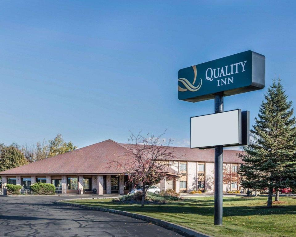 More About Quality Inn Central Wisconsin Airport Mosinee