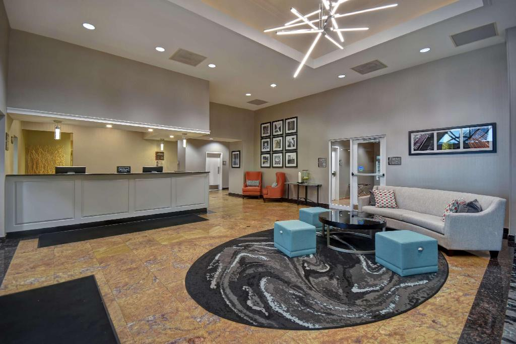 Lobby Homewood Suites by Hilton Edgewater Hotel