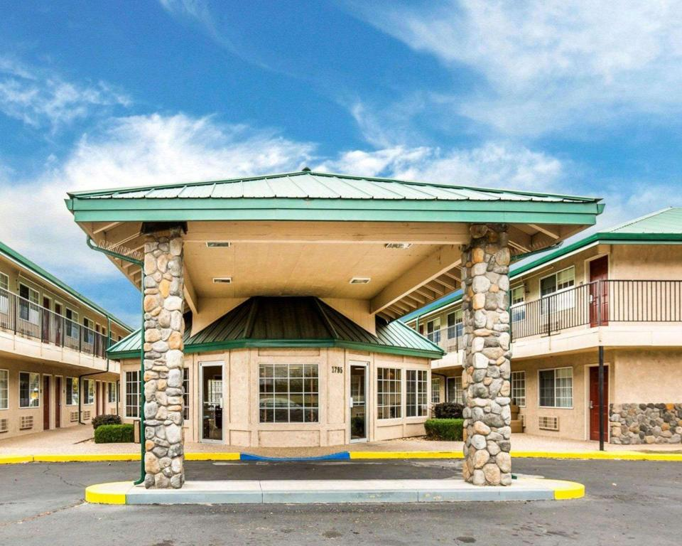 More about Quality Inn & Suites Minden