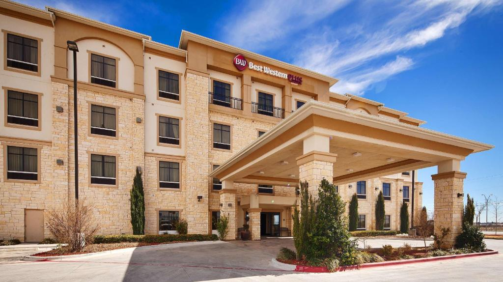 More about Best Western PLUS Midland Suites