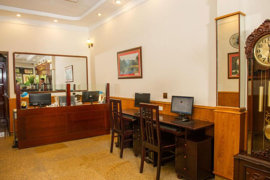 Business Center Thuy Anh Hotel