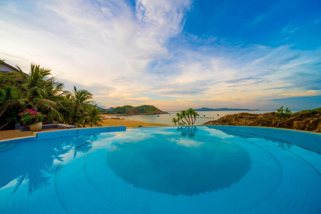 utomhuspool AVANI Quy Nhon Resort & Spa