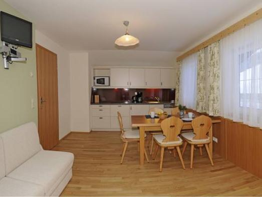 Groot Appartement met 2 Slaapkamers (Large Two-Bedroom Apartment)