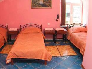 Bed in 3-bed slaapzaal (Bed in 3-Bed Dormitory Room)