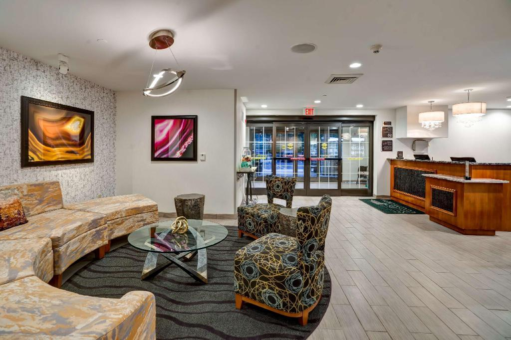 Lobby Homewood Suites by Hilton Eatontown