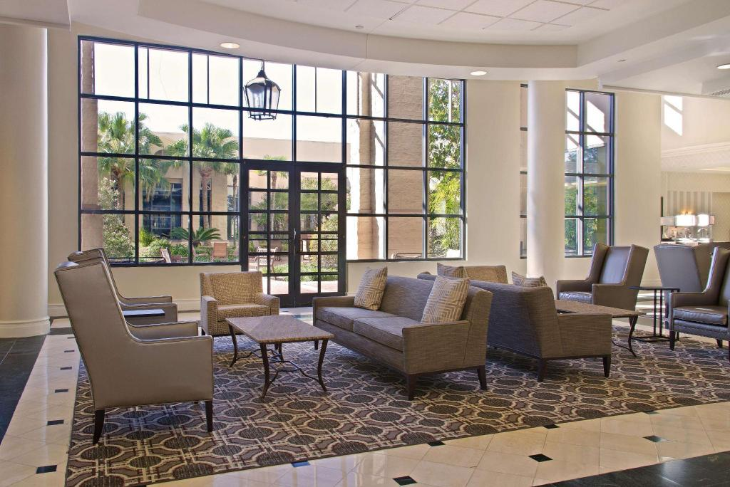 Lobby Hilton New Orleans Airport Hotel