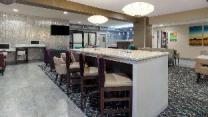 La Quinta Inn & Suites by Wyndham Wichita Airport