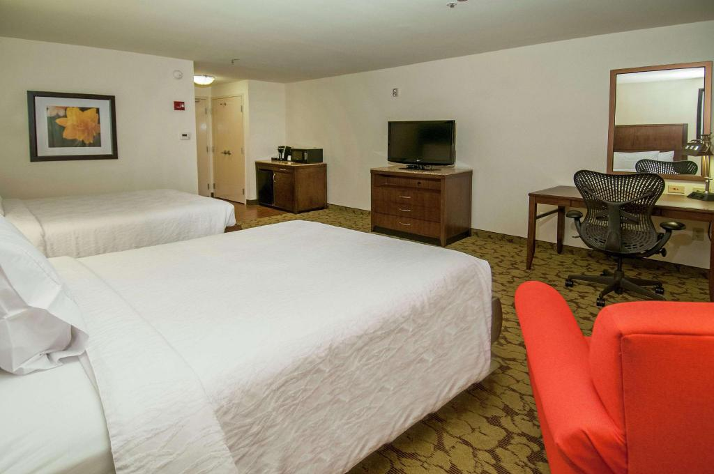 2 Double Beds - Guestroom Hilton Garden Inn New Orleans Airport