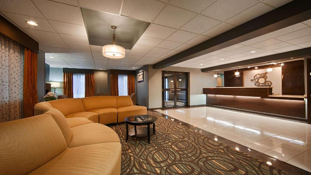 Lobby Best Western Plus Coldwater Hotel