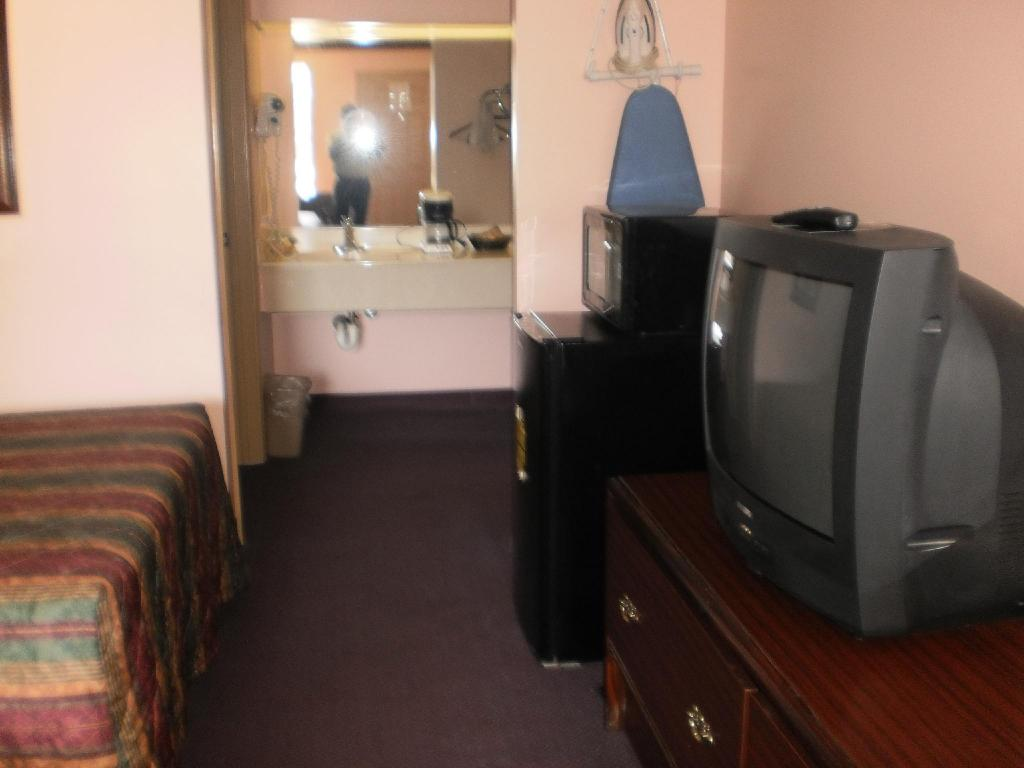 2 Double Beds Smoking - Guestroom Executive Inn and Suites Covington