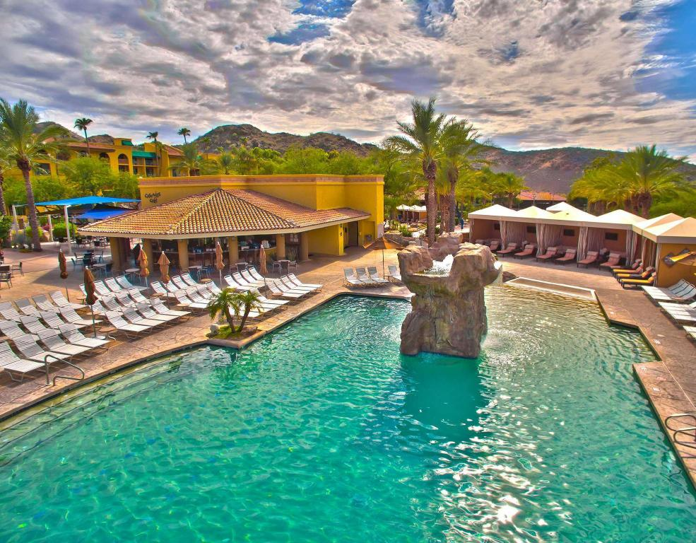 Swimming pool Pointe Hilton Tapatio Cliffs Resort
