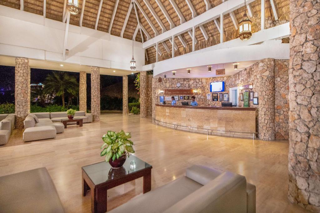 Лобби Viva Wyndham Dominicus Palace - All Inclusive