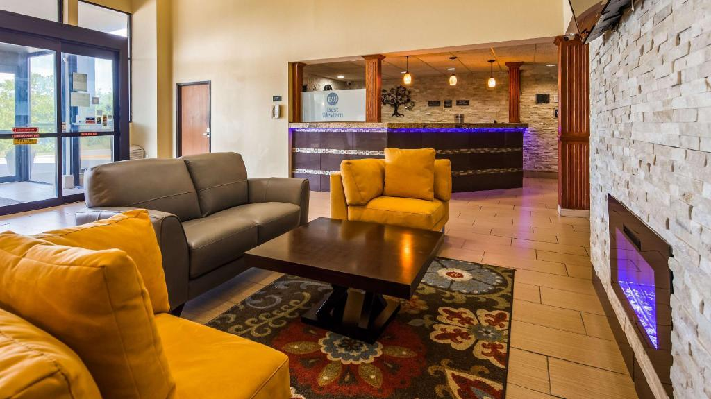 Lobby Best Western Waukesha Grand