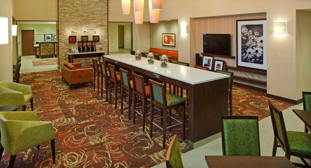 Лобби Hampton Inn and Suites Pittsburgh Waterfront West Homestead