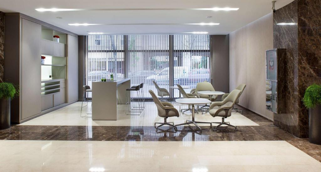 Lobby NH Collection San Sebastian Aranzazu