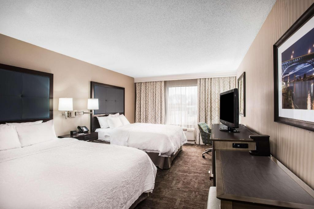 When It All Came Together At Tiedemans >> Hampton Inn Cleveland Airport Tiedeman Rd In Brooklyn Oh Room