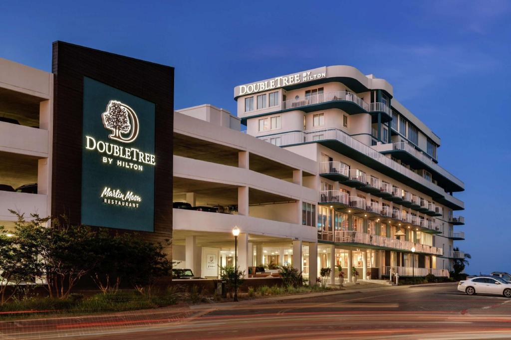 Doubletree By Hilton Ocean City Oceanfront Hotel Ocean City Md Deals Photos Reviews