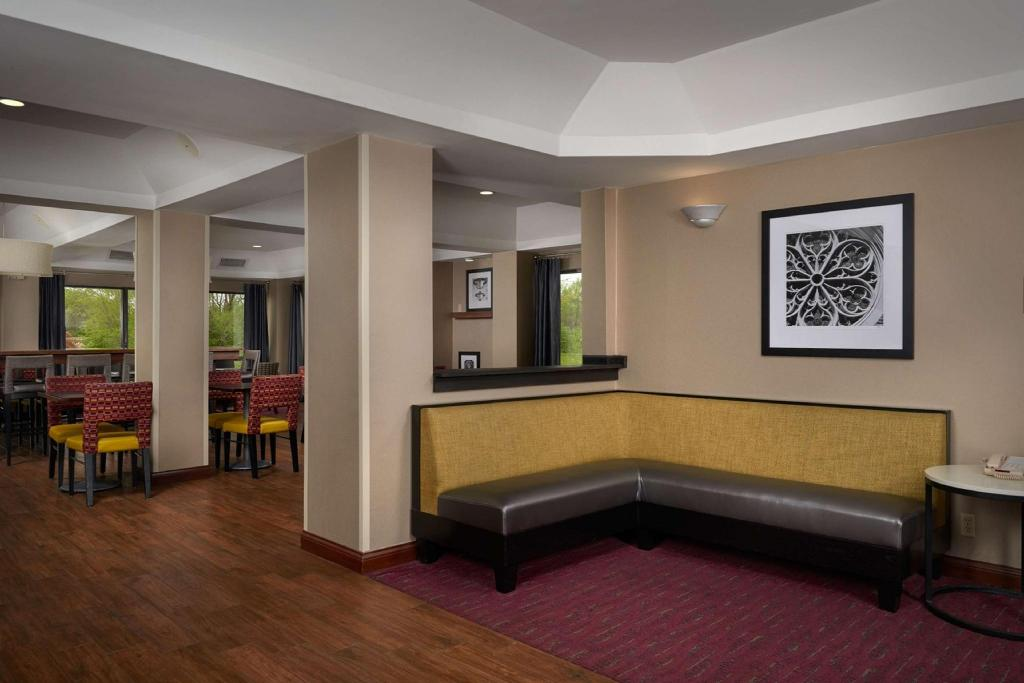 Lobby Hampton Inn Shelbyville