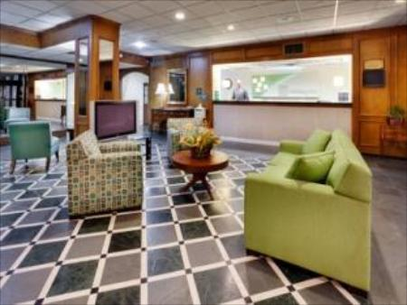 לובי Holiday Inn - GW Bridge Fort Lee-NYC Area