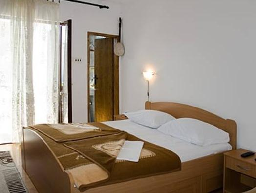 Tweepersoonskamer met extra bed (Double Room with Extra Bed)