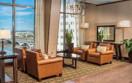 Hol Doubletree Suites By Hilton Hotel Columbus Downtown