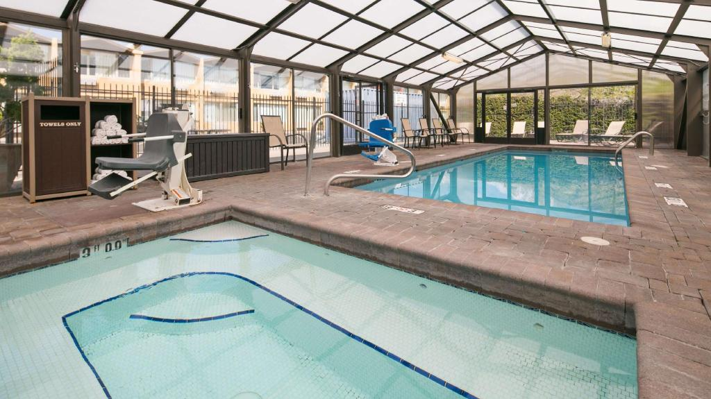 Piscina Best Western Pony Soldier Inn & Suites (Best Western Pony Soldier Inn and Suites)