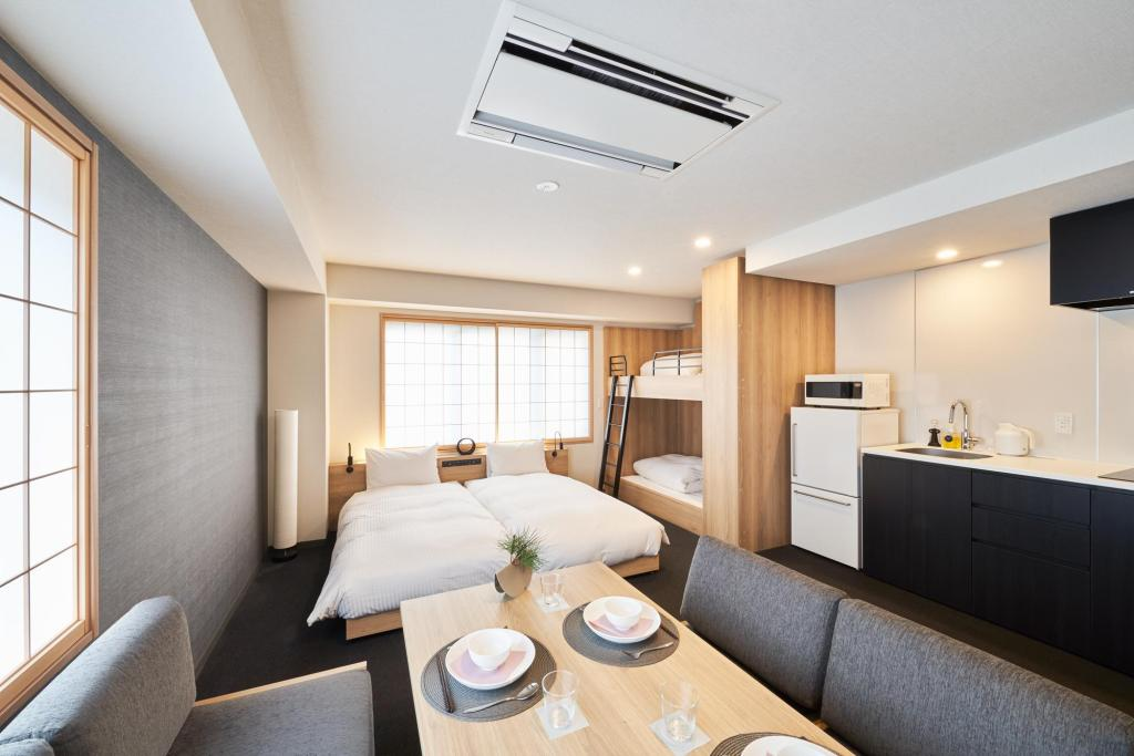 Deluxe Family Apartment for 4 People - Non-Smoking - Guestroom MIMARU TOKYO NIHOMBASHI SUITENGUMAE