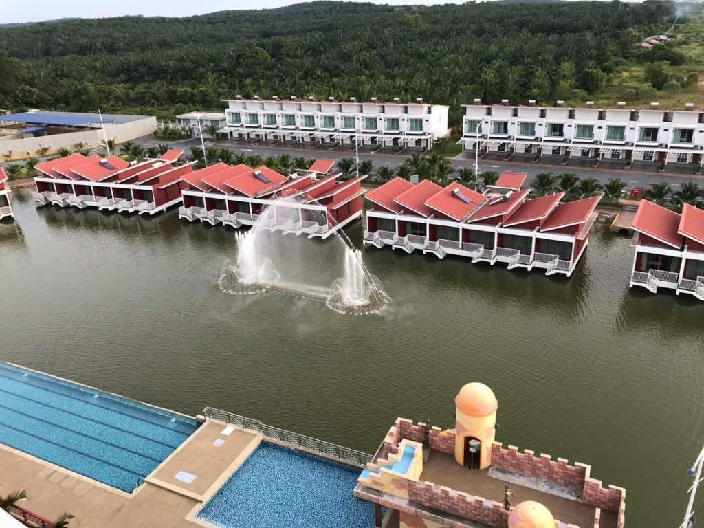 Tasik villa international resort in port dickson room deals photos reviews - Hotel port salins 4 empuriabrava ...