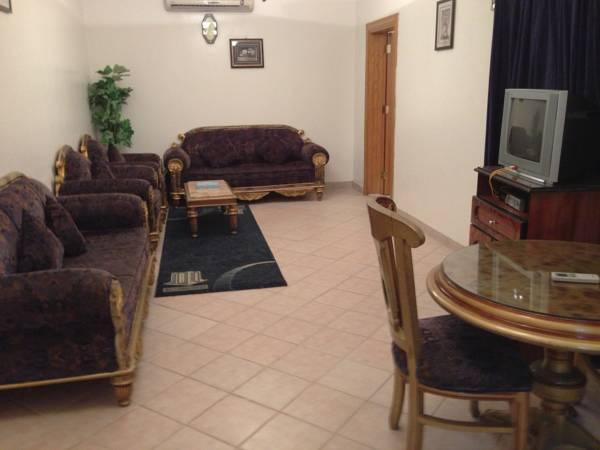 Apartament z dwoma sypialniami (Two Bedroom Apartment)